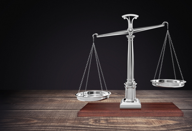 Considering the pros and cons of auction versus private treaty will help you decide which method is best for you.