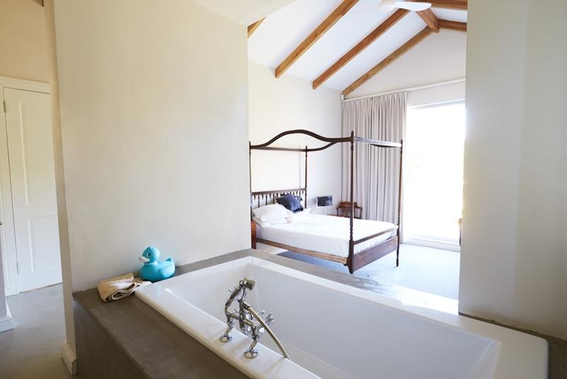 The Hype Around Open Plan Bathroom Bedrooms - Open plan bathroom and bedroom designs
